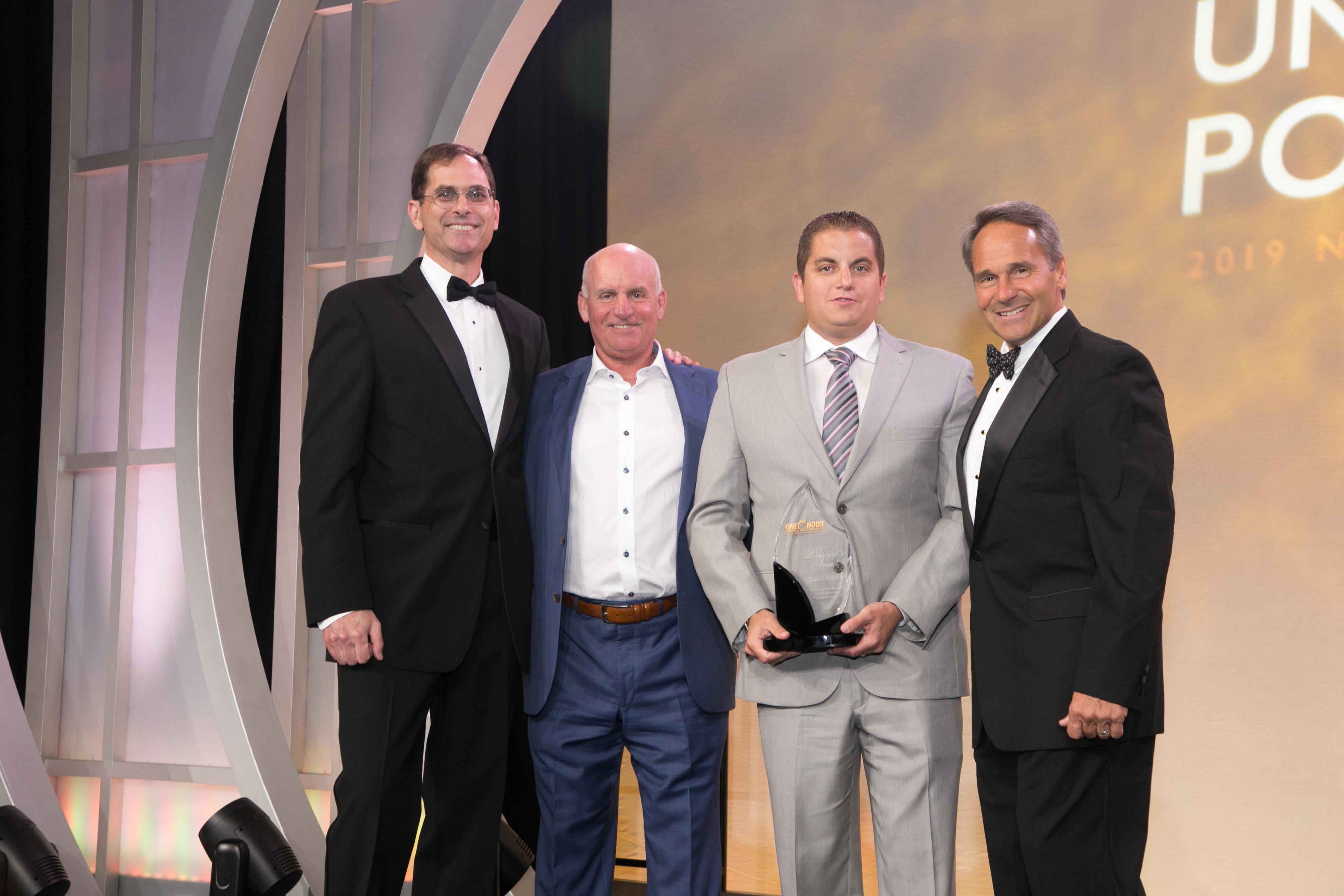 DE President's Club Award